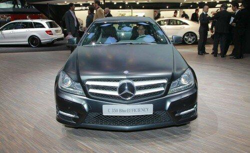 Автомобиль Mercedes-Benz C-Class 2012 года