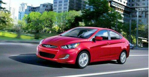 Автомобиль Hyundai Accent 2013 года