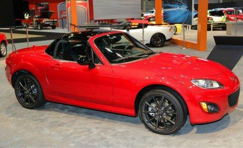 Автомобиль Mazda MX-5 Miata