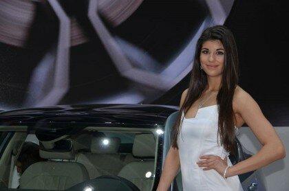Девушки на автосалоне-1
